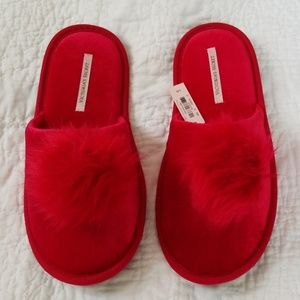 New with Tags Victoria's Secret Slippers